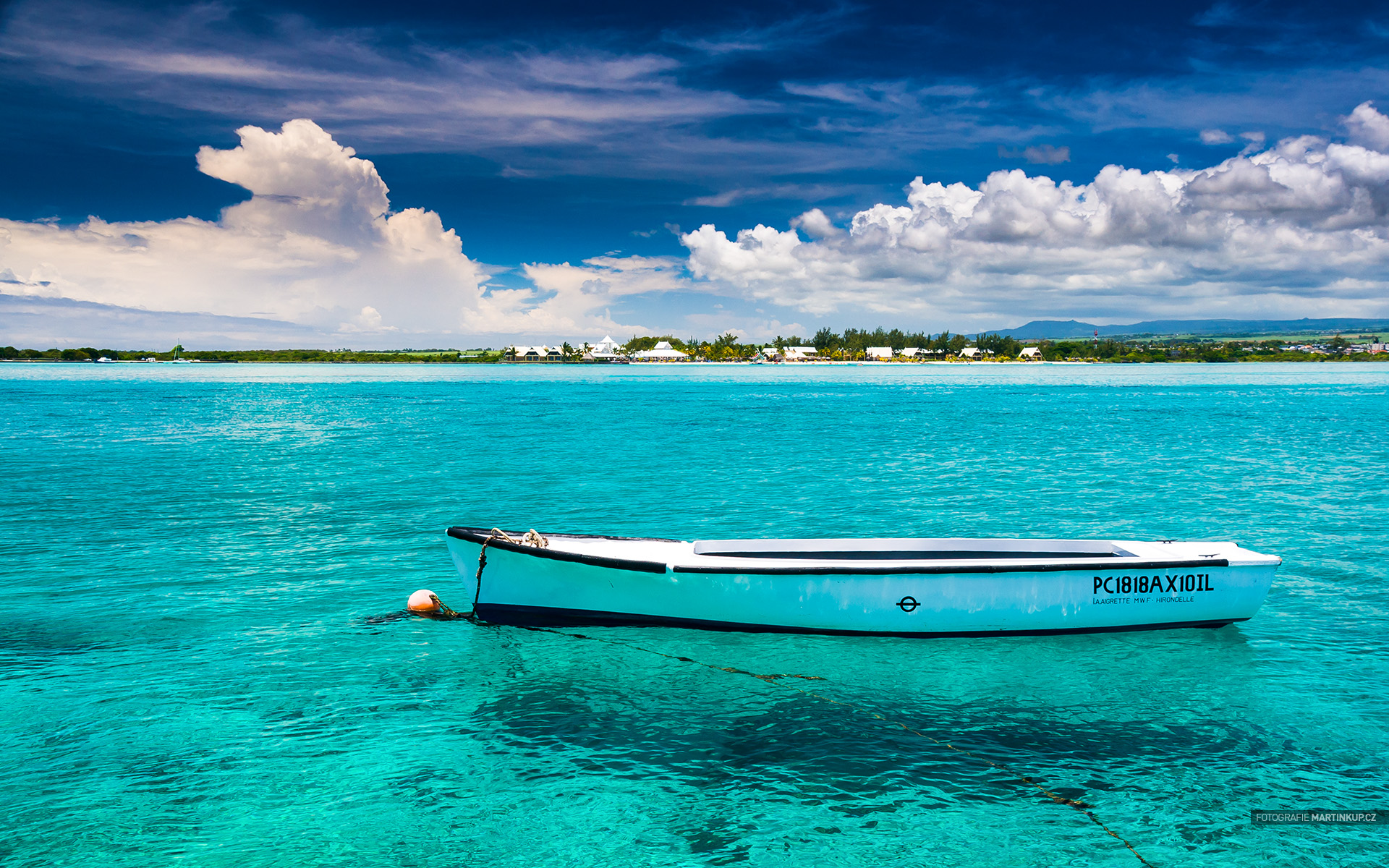Tapeta na plochu: Blue Bay, Mauritius (16:10)