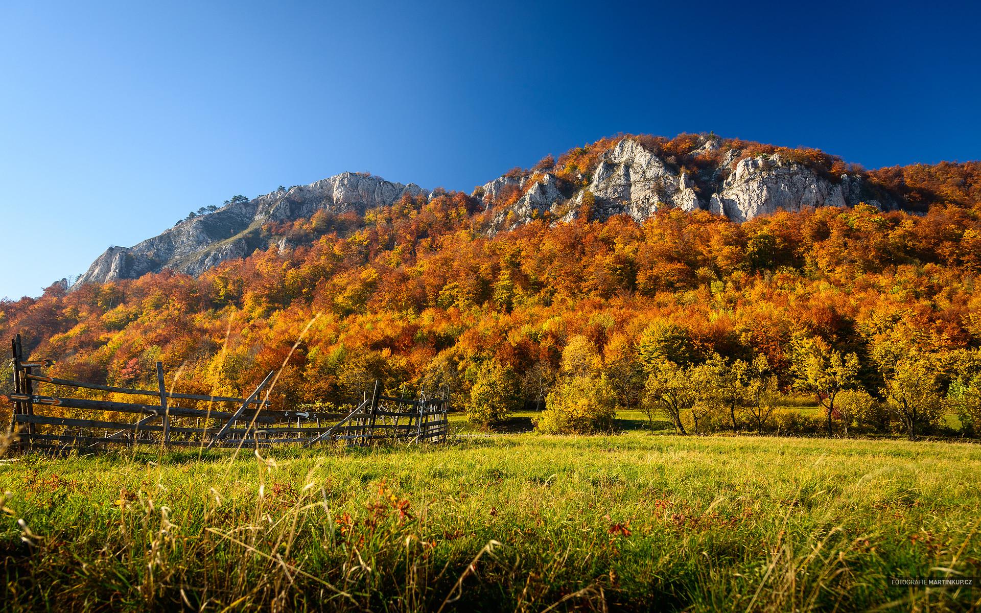 Podzimní tapeta na plochu - Vršatské Bradlá, Trenčianský kraj, Slovenská republika - fotograf Martin Kup